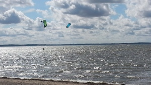 Kitesurfers in actie