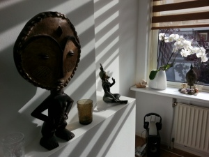Zonnestralen spelen met mijn souvenirs