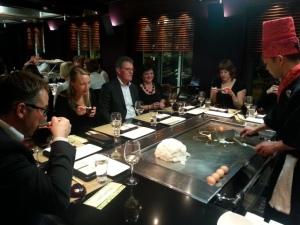 Travelbloggers in het  Teppanyaki restaurant
