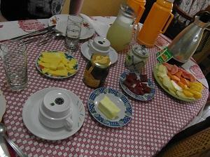 Wat een luxe ontbijt in casa Grethel y Carlos.