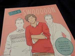 Zou Matt Damon het weten? Dat hij voorkomt in een kleurboek? En dames, blijven we binnen de lijntjes of niet? Hard gelachen om dit kleurboek wat ik tegenkwam bij Urban Outfitters in Amsterdam.