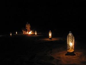 Sfeervol licht mag niet ontbreken in de woestijn.